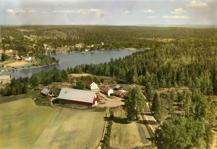 Østre Øre farm, Moss, Østfold. | Photo: Widerøe - Kjell and Marit Sandaker.