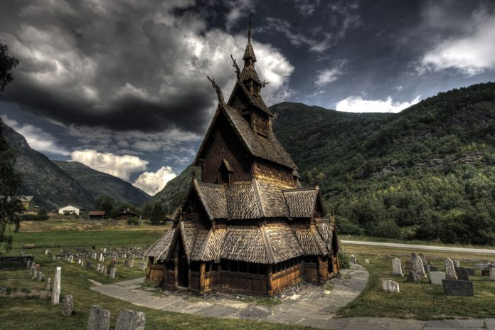 Borgund stave church in Lærdal, Sogn og Fjordane, Norway. Built sometime between 1180 and 1250 AD. | Photo: Oliver Webb - adobe stock - copyrighted.