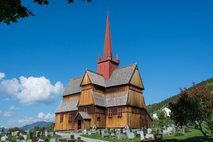 Ringebu stave church in Ringebu, Oppland, Norway. Estimated built around 1220. | Photo: Dagfinn Rasmussen - kulturminnebilder.ra.no Ringebu_DSC2944 - CC BY.